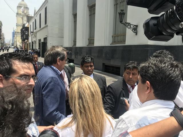 Congresista Jorge del Castillo recibió a venezolanos que entregarán documento a representantes del Grupo de Lima