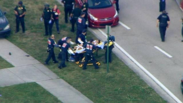 Varios muertos y al menos 20 heridos en tiroteo en escuela secundaria de Broward
