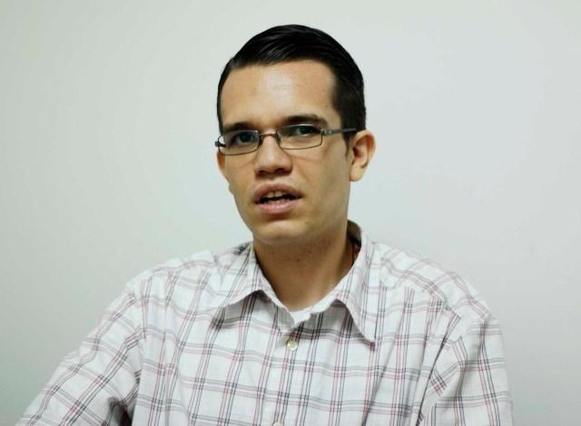 Ante los problemas de transporte público en la ciudad capital, el coordinador del Movimiento Político Alternativa 1 (A1) en Caracas, Rafael Curvelo, llama la atención sobre las fallas en la movilidad que afectan a millones de ciudadanos (Foto: Nota de prensa)
