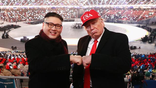 Imitadores de Donald Trump y Kim Jong-un posan durante la ceremonia de apertura de los Juegos Olímpicos de Invierno, en el Estadio Olímpico de Pyeongchang, Corea del Sur, el 9 de febrero de 2018. (Foto: Ryan Pierse / Gettyimages.ru)