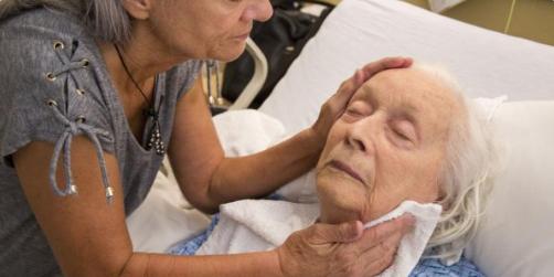 En Estados Unidos, los asilos de ancianos abusan del uso de drogas para controlar a residentes (Foto extraída de Human Rights Watch)