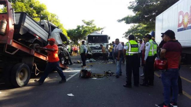 Siete de los fallecidos perdieron la vida al instante. eluniverso.com