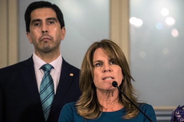 La Ministra de Relaciones Exteriores del Perú, Cayetana Aljovin, brinda una conferencia de prensa durante la VI reunión del Grupo de Lima en Lima el 13 de febrero de 2018. / AFP PHOTO / ERNESTO BENAVIDES