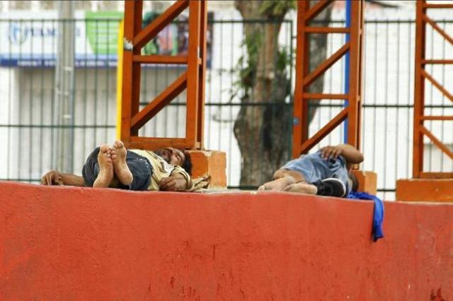 Entre los habitantes de calle hay bumangueses y de otros sitios. De los locales, todos tienen seguridad social y faltan algunos de los demás (un 3%), por limitaciones