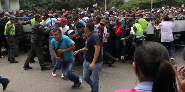 El puente internacional Simón Bolívar fue uno de los corredores que más utilizaron el viernes los venezolanos para entrar a Colombia. Foto: Andrea Moreno / ELTIEMPO