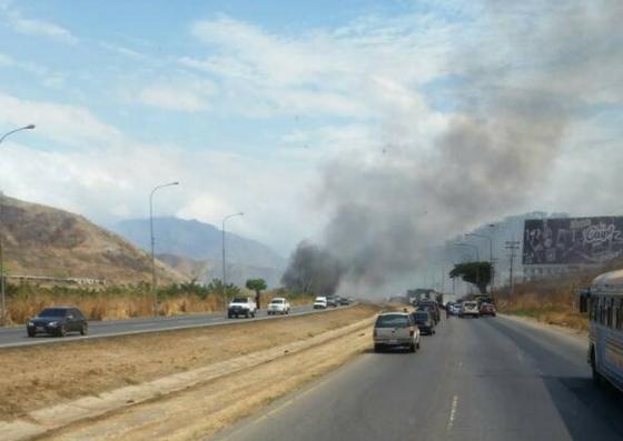 Foto: Incendio en la ARC / Bomberos Guacara
