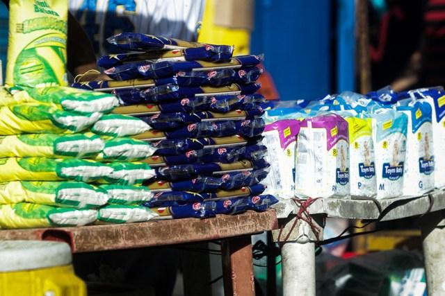 El empaque de pasta de 500 gramos que por punto de venta se paga en 120 mil bolívares, en el centro de San Félix cuesta 60 mil, solo en efectivo