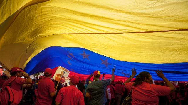 Trabajadores de Pdvsa participan en una marcha hacia el Palacio de Miraflores en 2016. Miguel Gutierrez / Efe