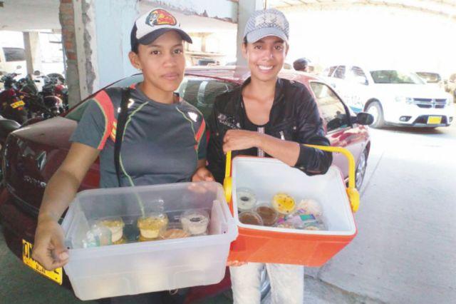 Los negocios informales son la principal fuente de ingresos de los venezolanos en la región. / Fotos: Giovanni Mejía