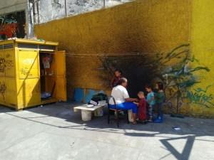 Entre cloacas y toneladas de basura  viven un centenar de personas en el Paseo Anauco (Fotos)