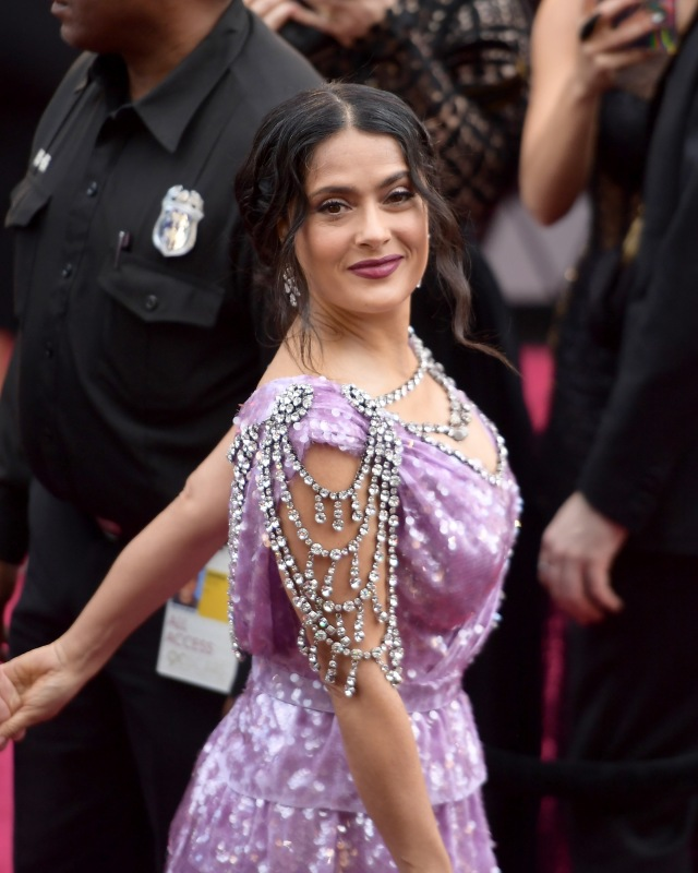HOLLYWOOD, CA - MARCH 04: Salma Hayek attends the 90th Annual Academy Awards at Hollywood & Highland Center on March 4, 2018 in Hollywood, California. Matt Winkelmeyer/Getty Images/AFP