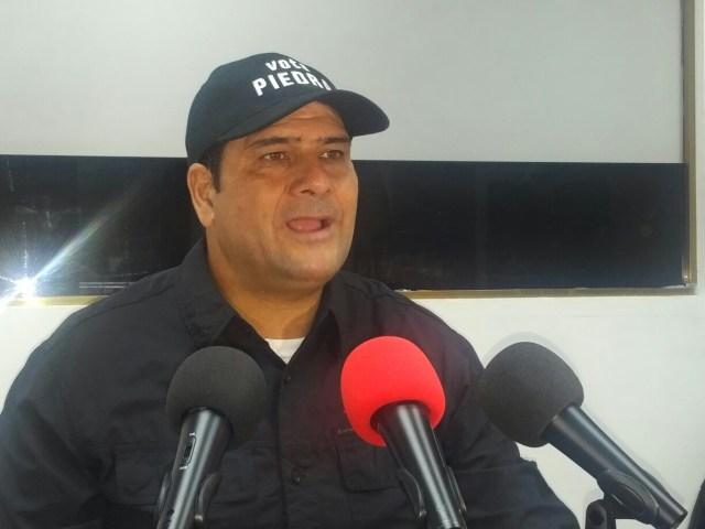 Salomón Álvarez, secretario general del partido Piensa en Democracia (Piedra), reveló que un grupo enorme de dirigentes del Gran Polo Patriótico (GPP) han dejado de respaldar al actual Gobierno (Foto: Nota de prensa)