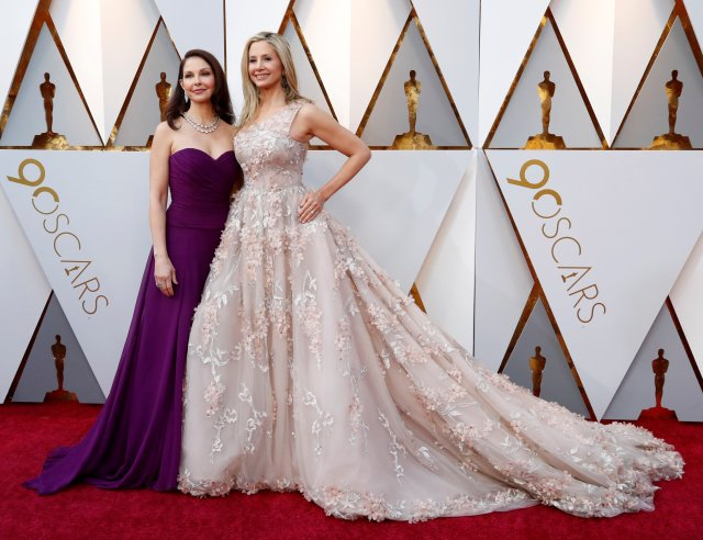 90th Academy Awards - Oscars Arrivals - Hollywood, California, U.S., 04/03/2018 - Ashley Judd and Mira Sorvino REUTERS/Mario Anzuoni TPX IMAGES OF THE DAY