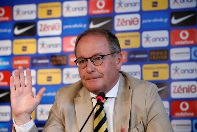 Presidente del Comité de Vigilancia de la FIFA, Herbert Huebel   // FOTO REUTERS/Alkis Konstantinidis