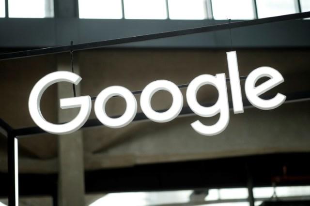 El logo de Google en una feria de emprendimiento en París, feb 15, 2018. REUTERS/Benoit Tessier