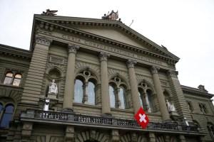 Suiza sanciona a once funcionarios venezolanos, entre ellos Delcy Eloína y El Aissami