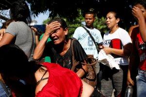 La angustiante espera de familiares por información de presos en la Comandancia de PoliCarabobo (FOTOS)