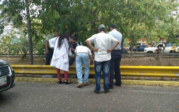 Foto: Los restos de Rosalinda Miraval, de 50 años, fueron encontrados en un caño que atraviesa parte de Maturín, en el estado Monagas / La Verdad