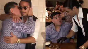 """Maradona conoció al chef Salt Bae y le echó """"polvito de sal"""" a su pedazo de filete"""