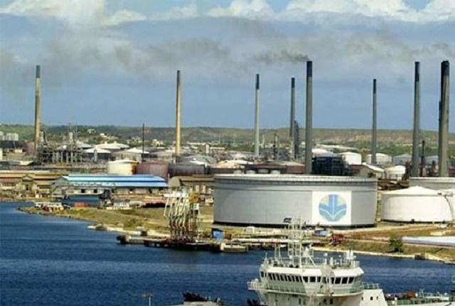 Vista general de la refinería Isla en Curacao / Foto archivo