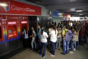 Venezuela en zozobra por reconversión monetaria que arranca este lunes