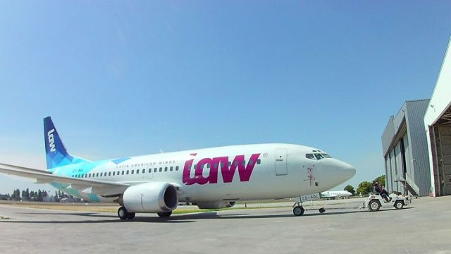 Un avión de la aerolínea LAW