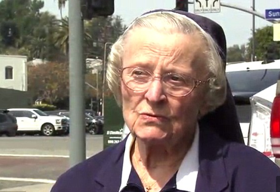 La monja Catherine Rose Holzman. Fox35