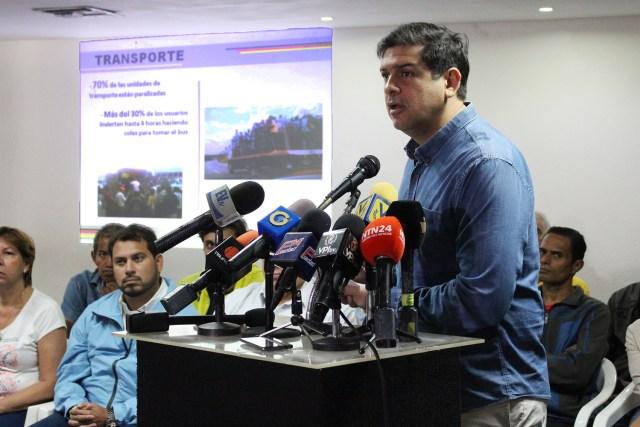 El líder regional denunció el grave deterioro en los servicios públicos de la entidad, así como  distintos problemas en el sector salud, vialidad y transporte