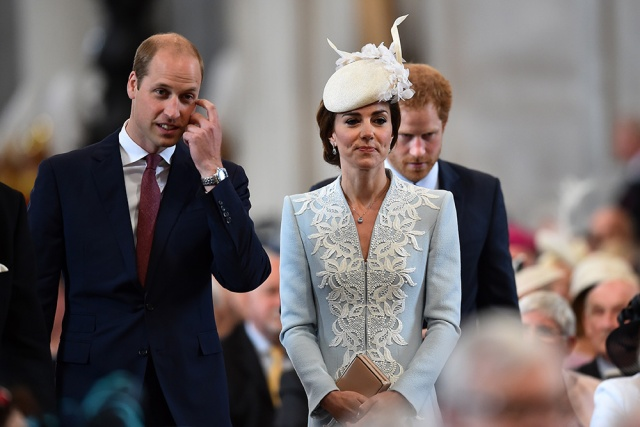 william_kate_middleton_harry_quinta_rueda_sujetavelas_cuando_todos_te_ignoran_77164303_1000x667