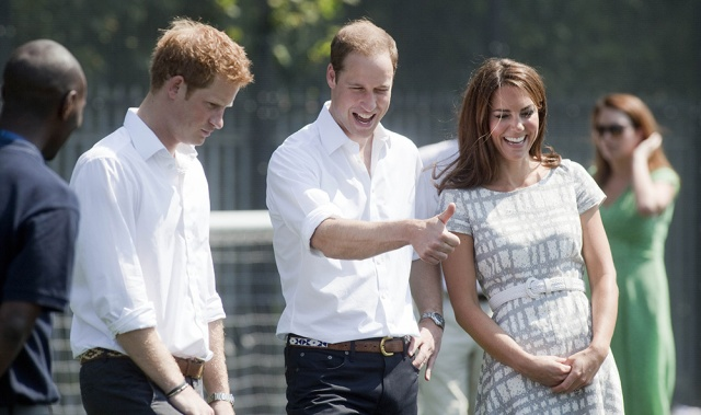 william_kate_middleton_harry_quinta_rueda_sujetavelas_cuando_todos_te_ignoran_924539507_1000x592