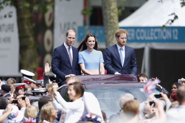 william_kate_middleton_harry_quinta_rueda_sujetavelas_cuando_todos_te_ignoran_948775955_1000x667