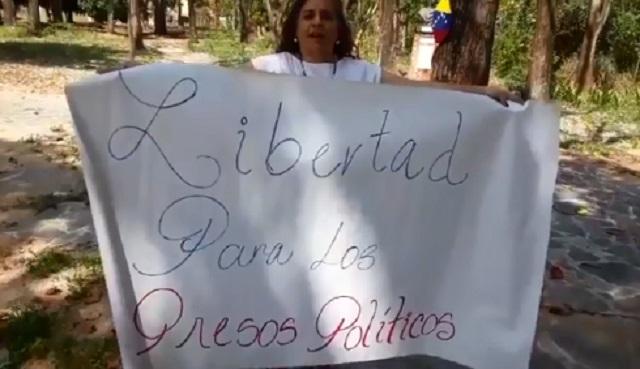 Madre del preso político Lorent Saleh, Yamileth Saleh // Foto captura de video