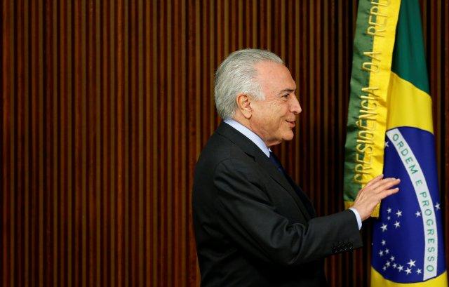 El presidente de Brasil, Michel Temer, llega a una reunión ministerial en el Palacio de Planalto en Brasilia, Brasil, el 12 de abril de 2018. REUTERS / Adriano Machado