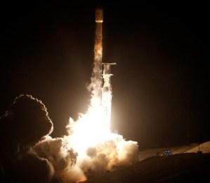 SpaceX lanzó el nuevo cazaplanetas de la Nasa para buscar vida extraterrestre