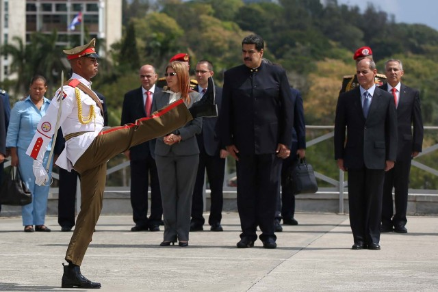 Venezuela's President Nicolas Maduro attends a wreath-laying ceremony the Jose Marti monument in Havana, Cuba April 21, 2018. REUTERS/Alexandre Meneghini