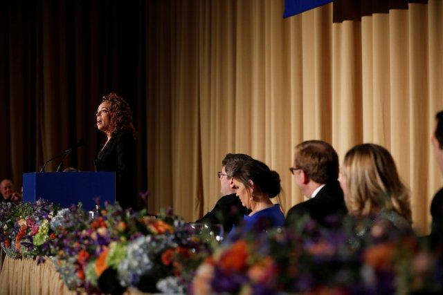 La comediante Michelle Wolf se presenta en la cena de la Asociación de Corresponsales de la Casa Blanca en Washington, EE. UU., El 28 de abril de 2018. REUTERS / Aaron P. Bernstein