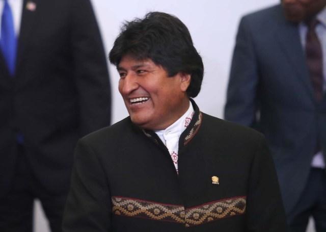 El presidente de Bolivia, Evo Morales, participa en las fotos oficiales de la VIII Cumbre de las Américas hoy, sábado 14 de abril de 2018, en el Centro de Convenciones de Lima (Perú). EFE/Ernesto Arias
