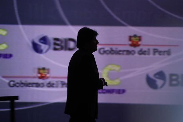 El presidente de Bolivia, Evo Morales, habla durante la III Cumbre Empresarial de las Américas hoy, viernes 13 de abril de 2018, previa a la VIII Cumbre de las Américas, en Lima (Perú). EFE/Miguel Gutiérrez