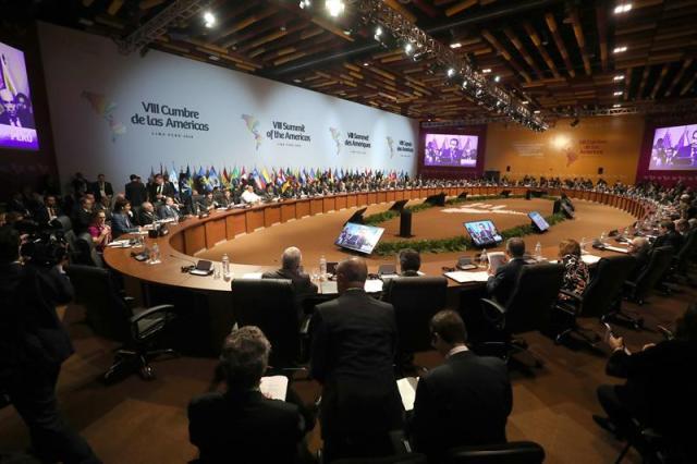 Vista general de la sesión plenaria de la VIII Cumbre de las Américas hoy, sábado 14 de abril de 2018, en el Centro de Convenciones de Lima (Perú). EFE/Miguel Gutiérrez
