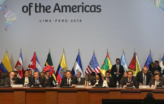 Presidentes y jefes de estado participan en la sesión plenaria de la VIII Cumbre de las Américas hoy, sábado 14 de abril de 2018, en el Centro de Convenciones de Lima (Perú). EFE/Miguel Gutiérrez