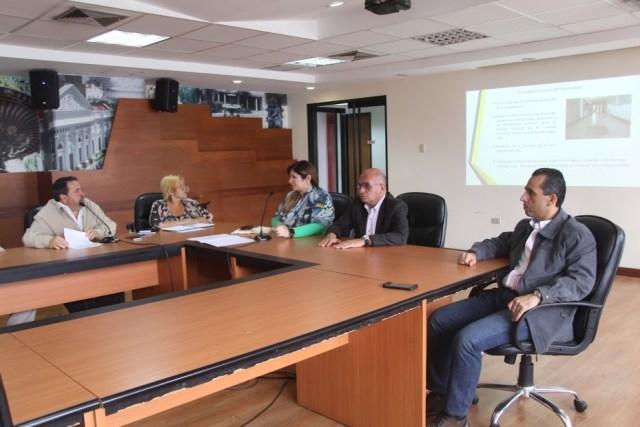 Richard Casanova del Colegio de Ingenieros en la Comisión de Administración y Servicios de la AN . Foto: Prensa
