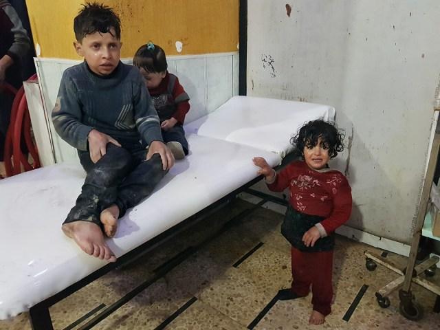 Niños sufriendo las consecuencias de los ataques químicos  Foto: Agencia Anadolu
