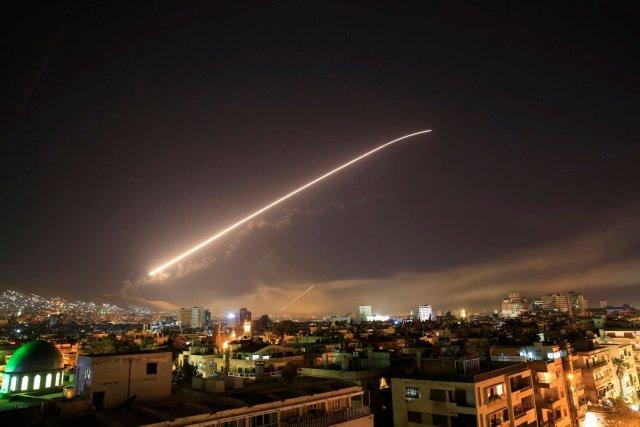 Defensasantiaereas_Siria