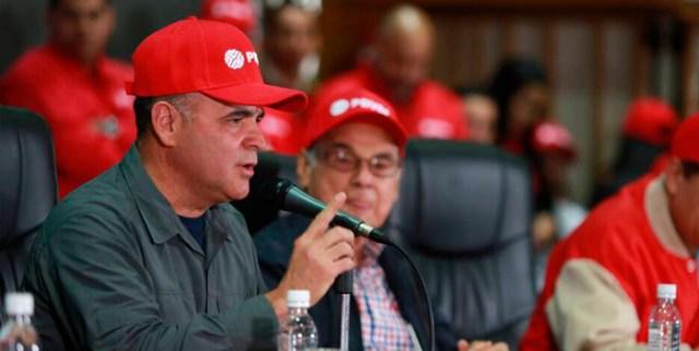 """General Manuel Quevedo, presidente de Pdvsa junto al """"presidente honorario"""" de Pdvsa, Alí Rodríguez / archivo"""