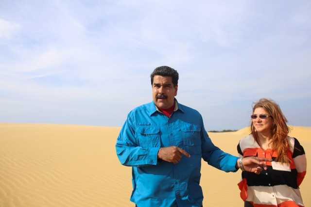 Foto: El presidente de la República, Nicolás Maduro junto a Cilia Flores visitan el parque nacional Los Médanos de Coro / AVN