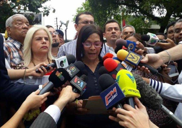 Foto: Frente Amplio Venezuela Libre en el consulado de Perú