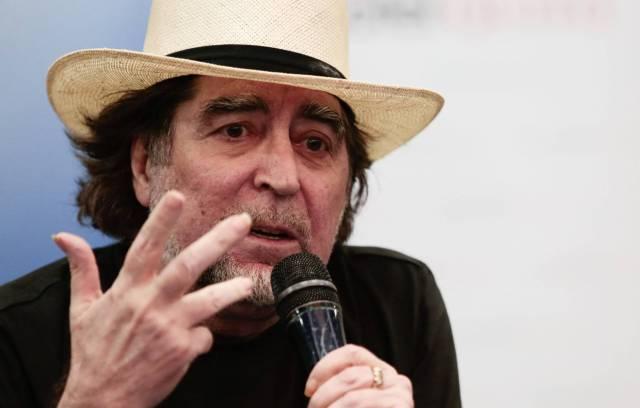 Joaquín Sabina en una rueda de prensa en Quito. EFE
