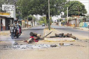 Zulianos protestan por apagones continuos