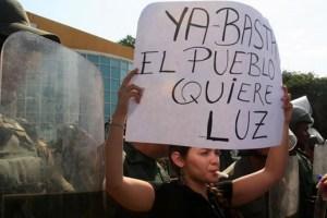 Zulianos siguen protestando por falta de luz #24Abr