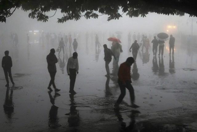 Al menos 140 personas murieron en tormentas de arena en India | FOTO: AFP